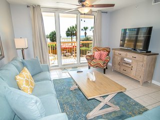 Pelican Beach Resort Condo Rental 217 - 2 Bedrooms - Sleeps 6