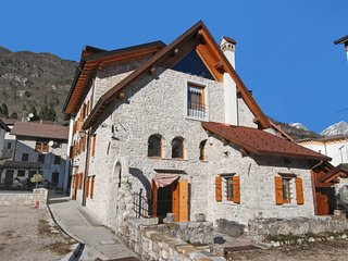 2 bedroom Apartment in Barcis, Friuli Venezia Giulia, Italy - 5556192