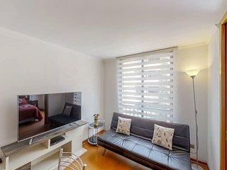 Pequeño depto con excelente ubicación - Small apartment with excellent location