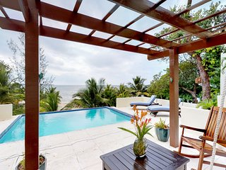 NEW LISTING! Breezy oceanfront villa w/gorgeous views, kayaking, beaches