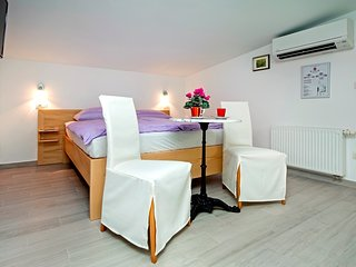 Cozy apartment in Rovinj with Parking, Internet, Air conditioning, Balcony