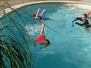 Bowen Family Holiday Home Whitsundays Queensland Australia - PALM LAKESIDE