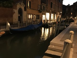 Spotless 3 Bedroom Apartment in Venice  Historical Center with Views