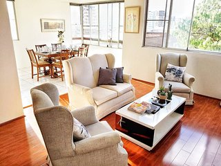 Burwood Apartment 寶活市华人社区 12mins to CBD