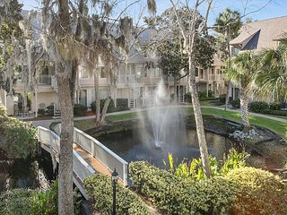 Courtside 95 - Close to the beach - Large 2 bedroom Townhouse