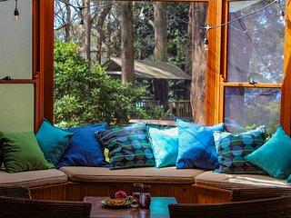 Tomah Retreat - Enjoy studio BREATHE & fireplace