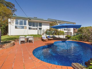 Family Retreat with Pool and Kids Playground - Mount Martha