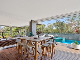 Pool and Spa, great entertaining areas - close to South Beach - Mount Martha
