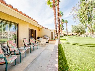 Palm Desert Resorter Gate 3BR/2BA comm pool/ Jacuzzi Sleeps 6
