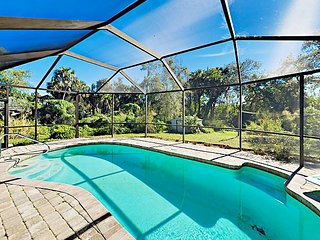Orange River Oasis - Large Screened Patio w/ Solar-Heated Pool & Hot Tub