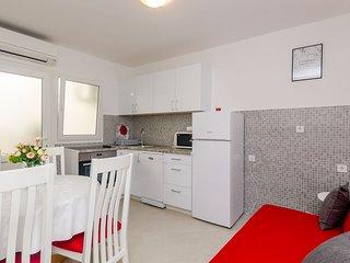 Guest House Nenada- Studio Apartment with Terrace