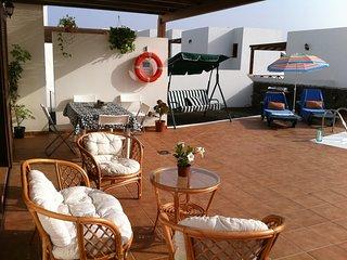 alquiler Villa en playa blanca wifi piscina privada  vista al mar