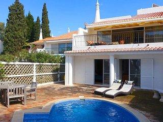 3 bedroom Villa in Vale do Garrao, Faro, Portugal - 5740574