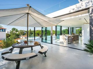Vale do Lobo Villa Sleeps 8 with Pool Air Con and WiFi - 5740808