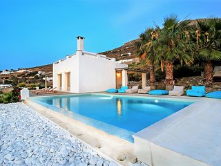 Villa Mithos with private pool and stunning seaview