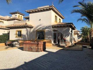 AHL017 Villa El Pinet