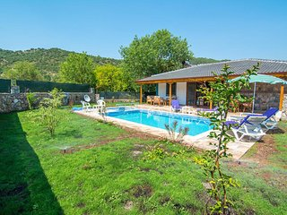 New Age Lettings 2 Bedrooms villa in kayaköy  with Private pool and garden