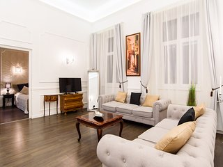 Elegant, luxury apartment off Andrássy Ave, 2 BR, 2 Baths