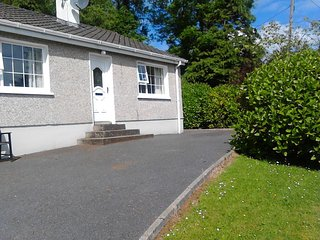 2 Bedroom house, Carrigart , only 2 km from Carrigart Town , nice garden , and