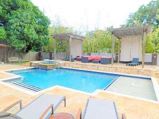 New Tropical Dream 3/2.5 for10 Heated Pool Beach