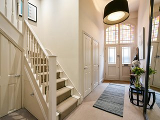 Oxford Street Mews House by Sojourn