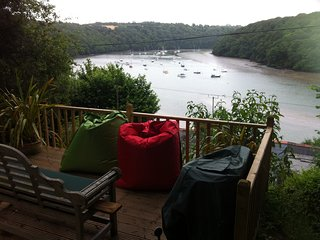 Cosy boutique luxurious 3 bed waterside cottage with stunning views near Truro