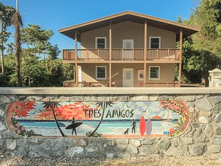 DOS AMIGOS BEACH HOUSE DOWNSTAIRS UNIT NEWLEY BUILT WITH BEACH ACCESS TO SURF