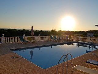DELUXE 8 BEDROOMS VILLA WITH 8 BATHS,VERY BIG SWIMMING POOL,FREE ELECTRIC CAR...