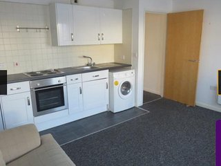 2 Bedroom city centre apartment with free secure parking