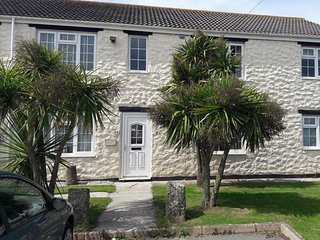 Apartment in Beautiful Trevarrian, near Newquay, Cornwall