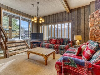 Historic lodge w/ fireplace & shared foosball/pool tables - minutes to Skibowl!