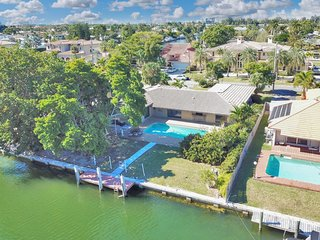 Spacious Pool Home on Intracoastal!