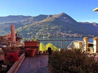 Carate Urio, Appartamento Lago di Como, con balcone e vista lago
