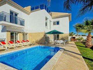 4 bedroom Villa in Areias de Sao Joao, Faro, Portugal - 5743827