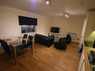 Toothbrush Apartments - Ipswich Central (2 bed 2 bath Duplex Apartment)