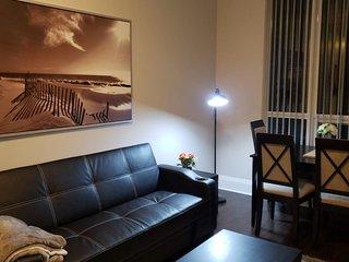 Furnished Rental 1BR +Den Suite in Avonshire