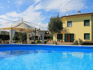 La Valinfiore charming apartment with pool