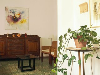 Lovely little house for 2, in Güemes, 7 blocks from Cordoba's main plaza
