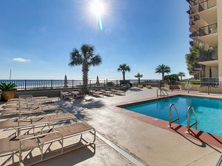 NEW LISTING! Stunning Gulf-View condo w/access to shared pool & full kitchen