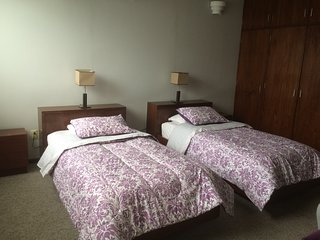 Double-twin bedroom w/ bathroom, within spacious guest house, near WTC & Condesa