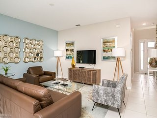 Beautifully furnished 4BD townhome in the Solara Resort!