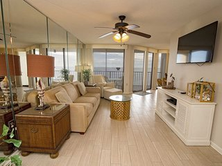 Spring Into A Vacation ~ Phoenix 3 3097 ~ 1 BR ~ Gulf Front ~ Sleeps 4 ~ All Til