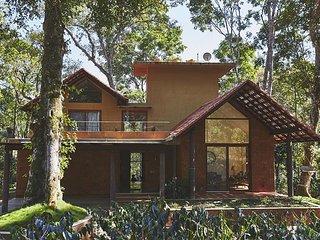 Acacia 5, Luxury Pool Villa, by Vistarooms