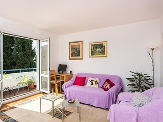Apartment Lia - One Bedroom Apartment with Balcony and Sea View