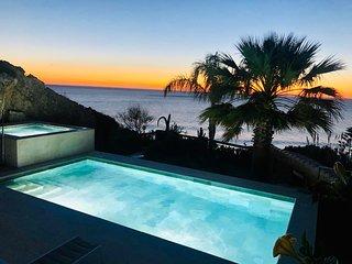 Luxury Beach Villa- Private Pool, Jacuzzi, Stunning Sea Views, Close to Beach!