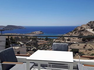 Paralos Lodging - 1 bedroom sea view apartment