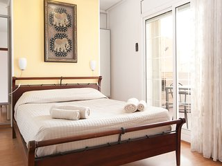 Penthouse with terrace in Rambla Catalunya -Centre