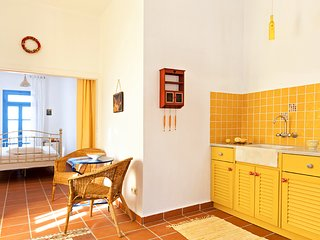 Icon Painter's Sun apartment in Koroni village with view by JJ Hospitality