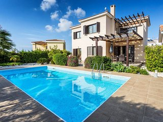 Dazzling Private villa with a mature garden and a Pool