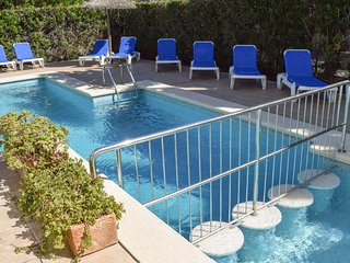 Villa Alexia. Complex ( 0.3) 10 Apts. Tasteful & Fresh 2 Bedroom Apt. Pool Views